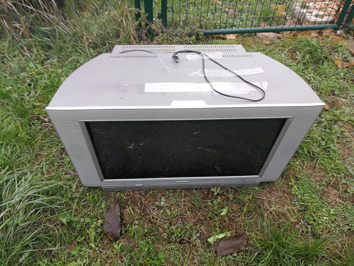TV, mint hulladék